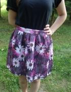 Nowa kloszowana spódnica w kwiaty fioletowa 40 42...