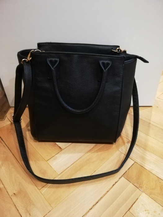 Czarna torba stradivardius a4
