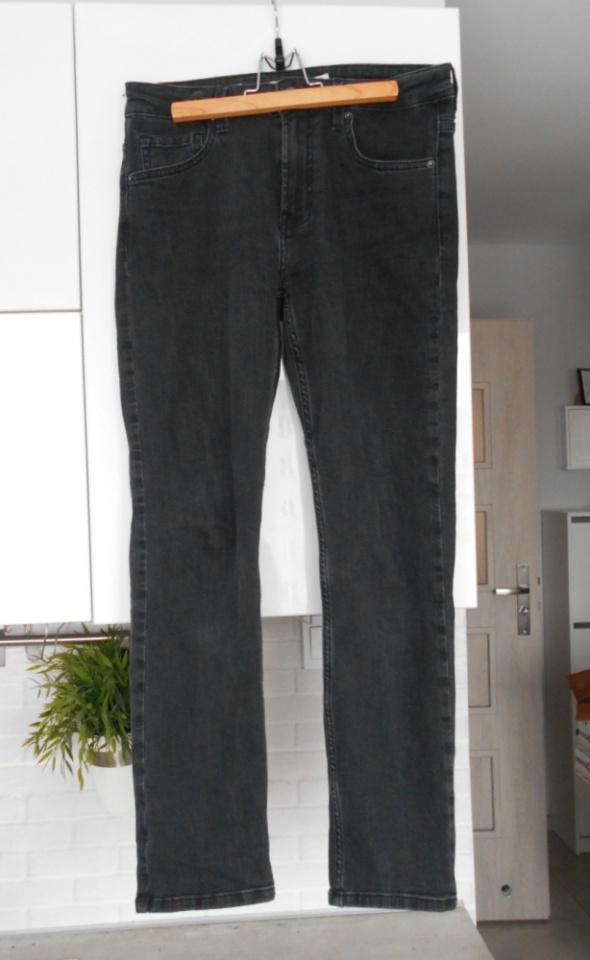 Bershka klasyczne szare jeansy grafitowe cigarette...