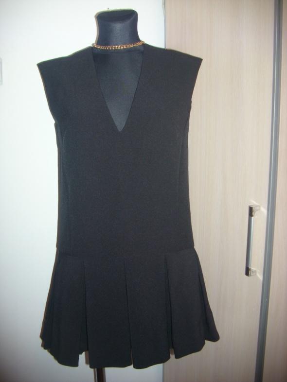 śliczna czarna sukienka XS na S