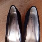 Czarne buty na korku Dorothy Perkins