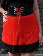 czerwono czarna plisowana spódniczka...