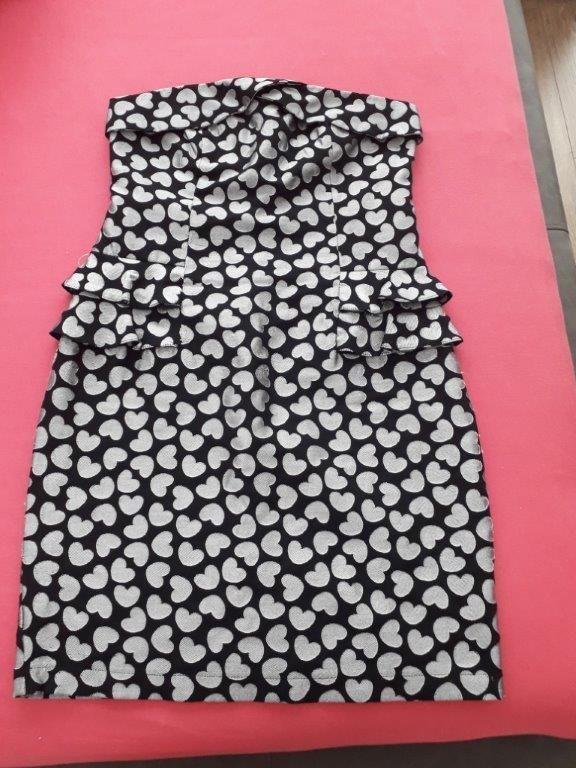 Sukienka w serduszka