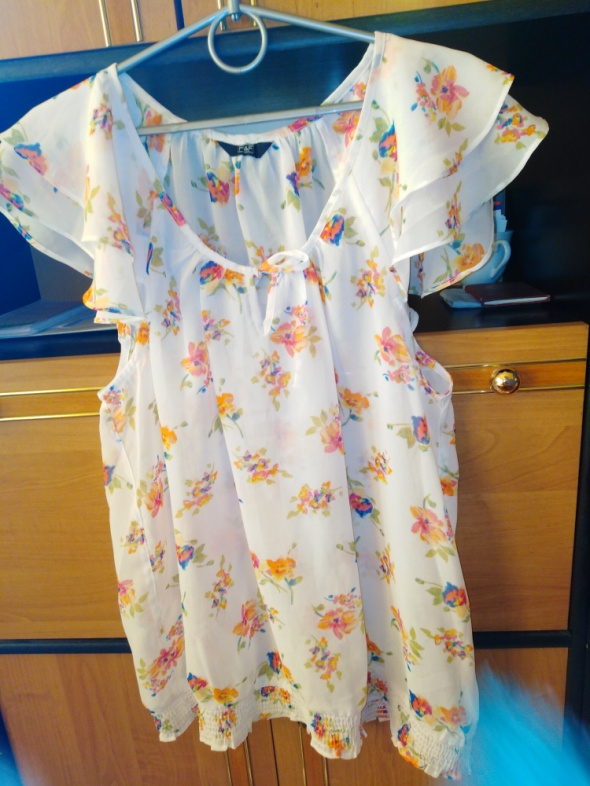 Bluzeczka F&F lekka przewiewna rozmiar 44 46