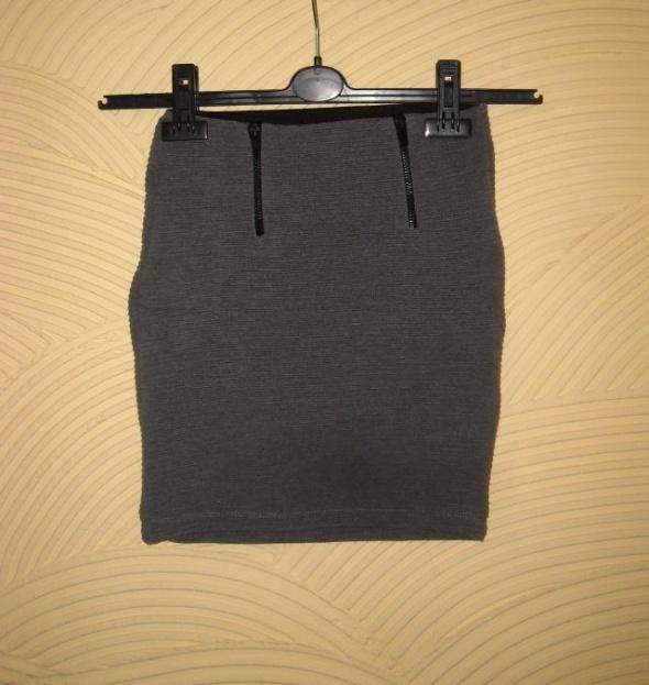 szara prążkowana spódnica bershka xs