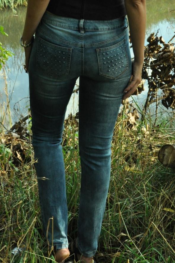 spodnie z ozdobami w kształcie ćwieków