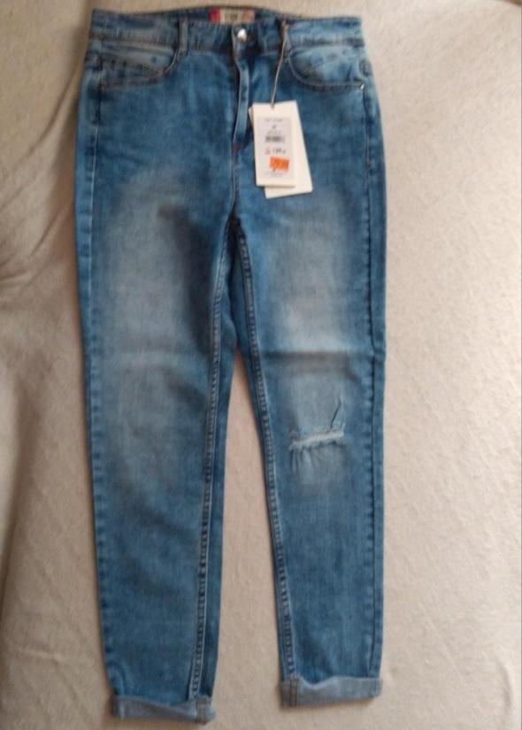 niebieskie jeansy...