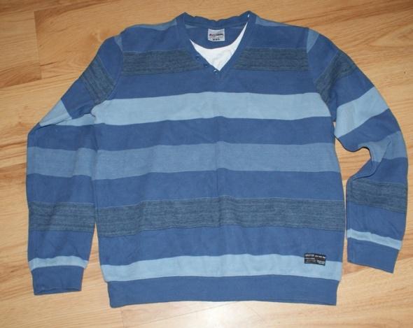 Męski sweterek w paski