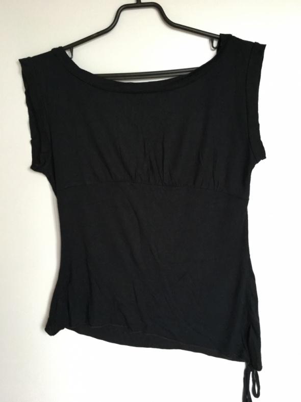 Czarna bluzka na imprezę z dekoltem na plecach 38