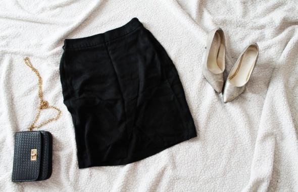 Czarna przekładana spódnica Reserved