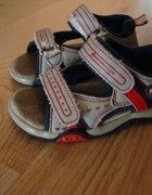 Sandałki 25...