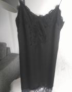 Mała czarna bieliźniana sukienka...