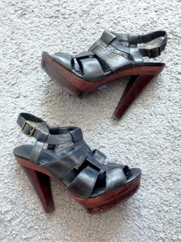 Bardzo wysokie sandały rzymianki Aldo...