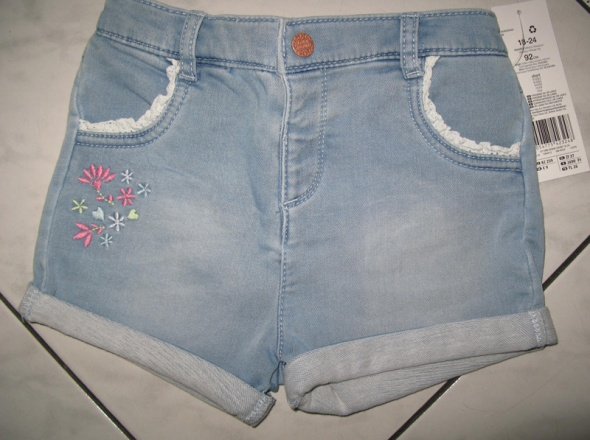 F&F jeansowe spodenki z kwiatkami dziewczynka r 92