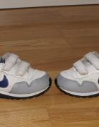 Adidaski Nike...