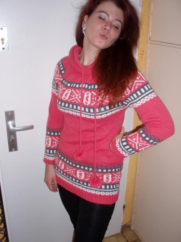 Różowiutki swetr gofik