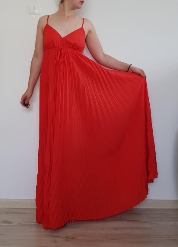 Czerwona sukienka maxi 34 36