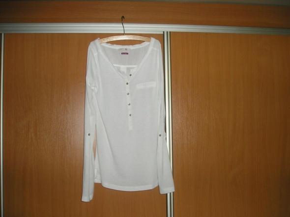 Biała bluzka Bershka S
