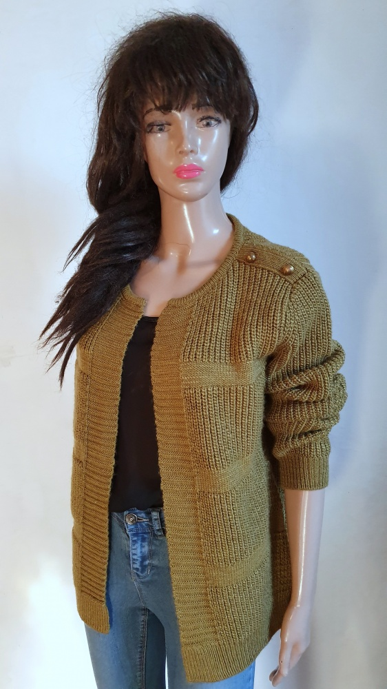 Niezapinany sweterek narzutka r 42