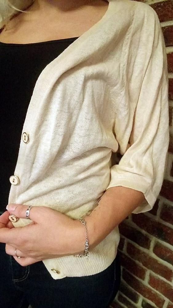 Swetry Sweterek w pudrowym kolorze nietoperz