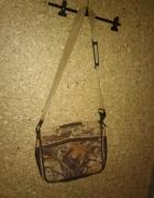 Brązowa duża torba na pasku...