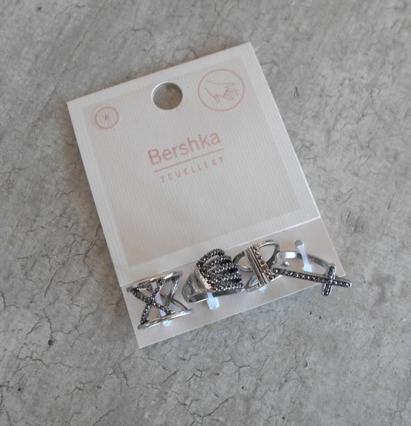 Pierścionki Bershka nowy komplet srebrnych pierścionków krzyż cross srebrne pierścionki