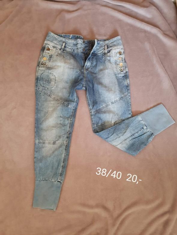 Joggery jeans