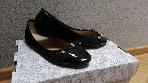 Czarne koronkowe balerinki baletki czółenka tanio