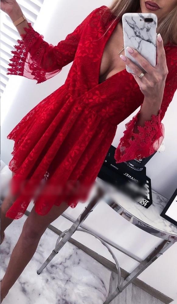 Sukienka tiulowa czerwona koronka mega rękawy