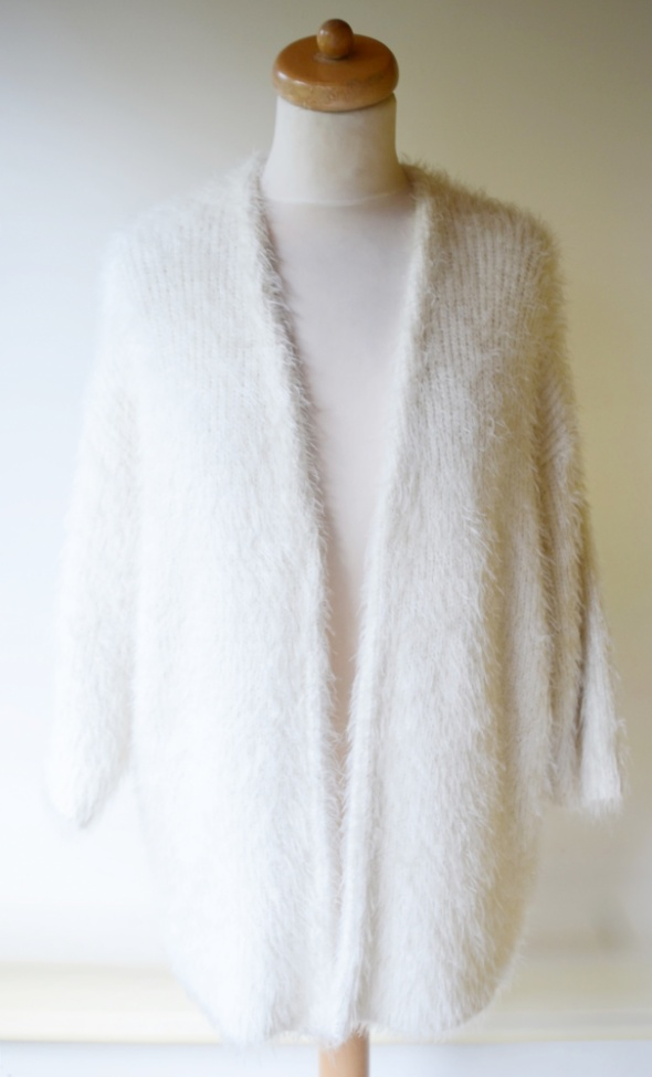 Sweter H&M M L 38 40 Włochaty Kremowy Narzutka...