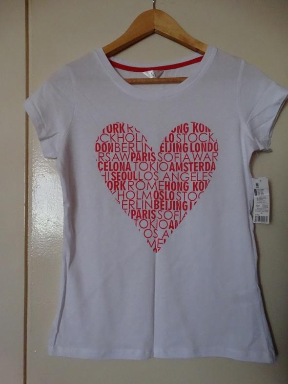 Bluzeczka damska z serduszkiem