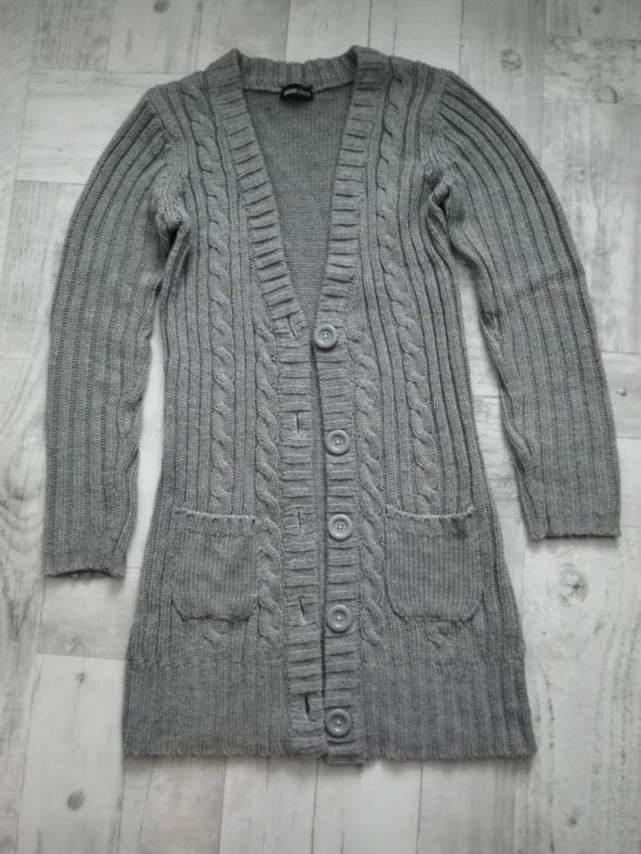 Szary ciepły sweter