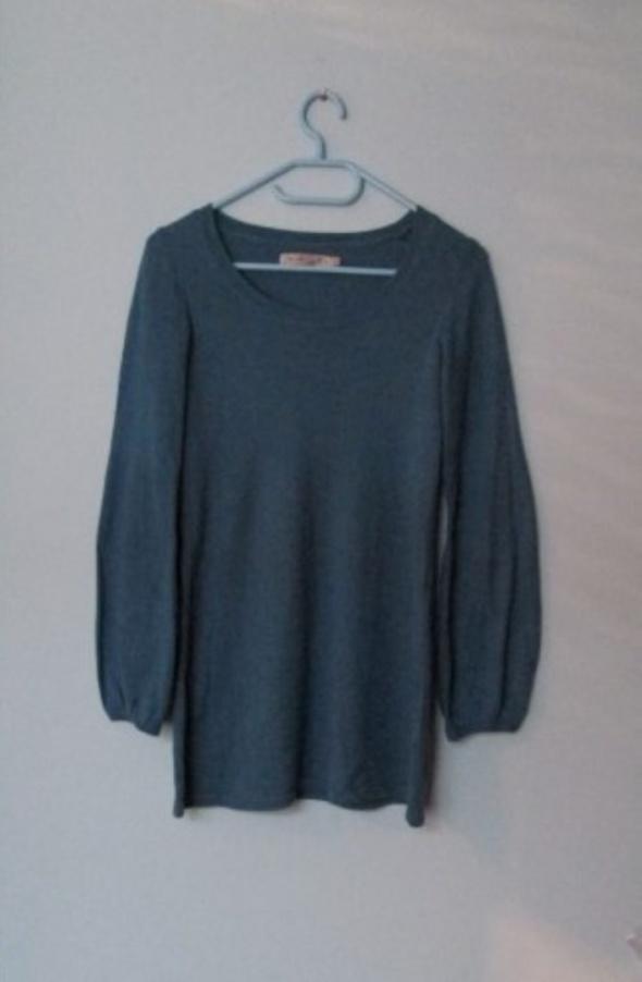 Niebieski cienki sweterek tunika