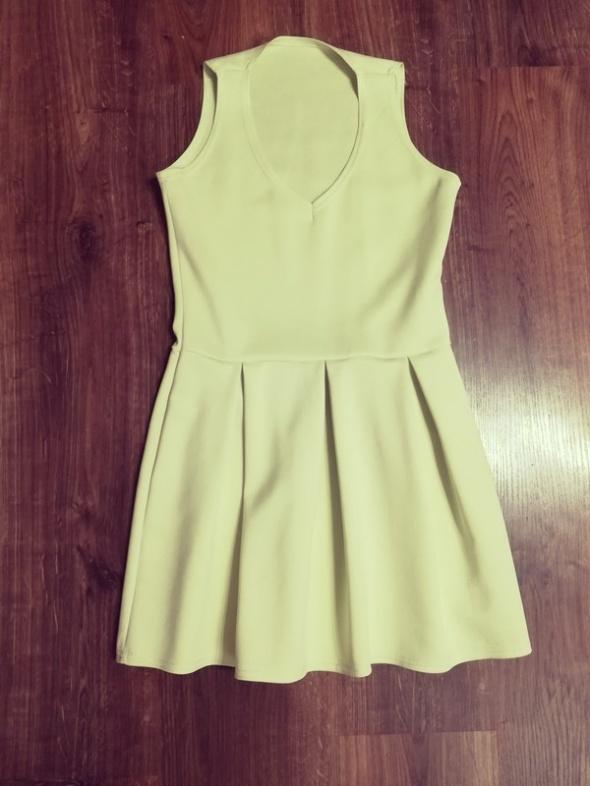 Sukienka w ślicznym seledynowym kolorze