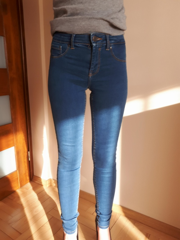 Spodnie jeansy push up Bershka 34 XS...