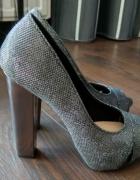 Szare srebrne brokatowe sandały czółenka open toe Bershka 36...