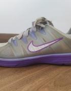 Nike 36...