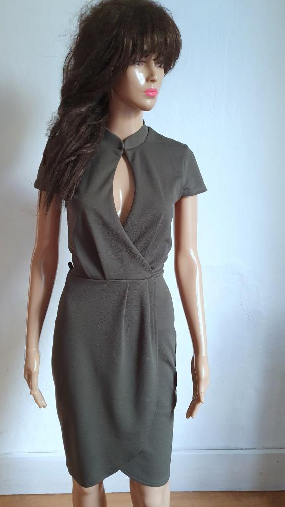 Kopertowa sukienka khaki r S...