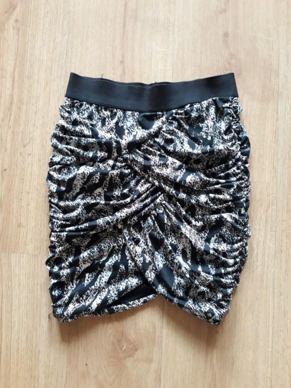 Spódnice h&M Dopasowana mini spódnica animal print r34