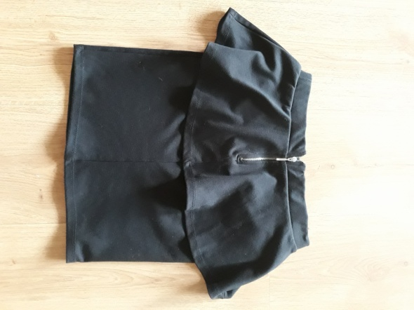 Spódnice czarna mini spódnica z baskinką S M