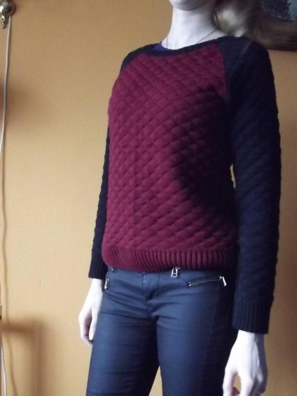 gruby pikowany sweter