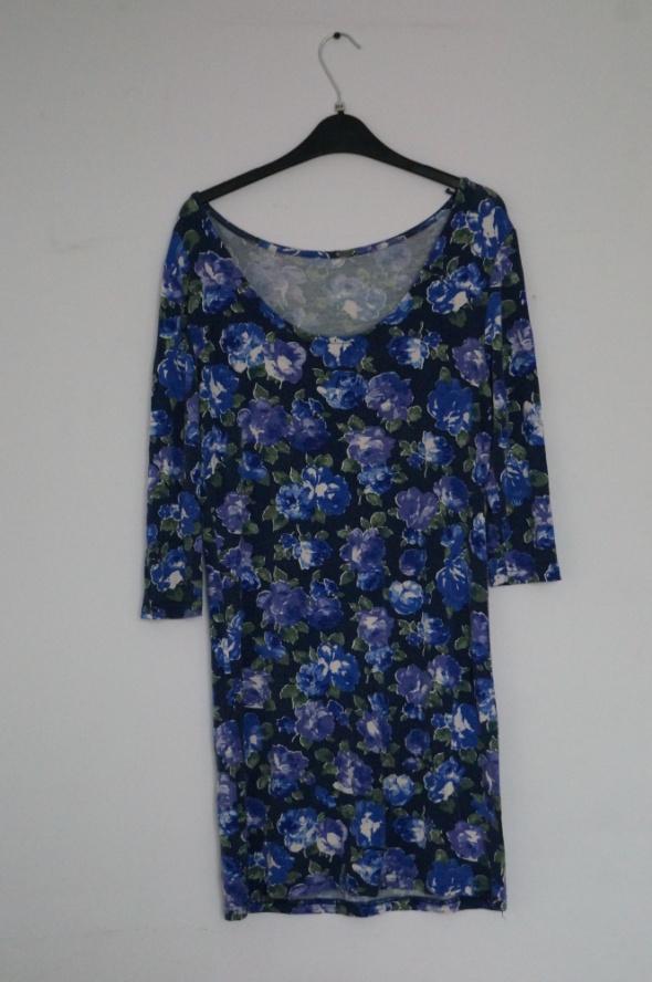 Luźna sukienka floral