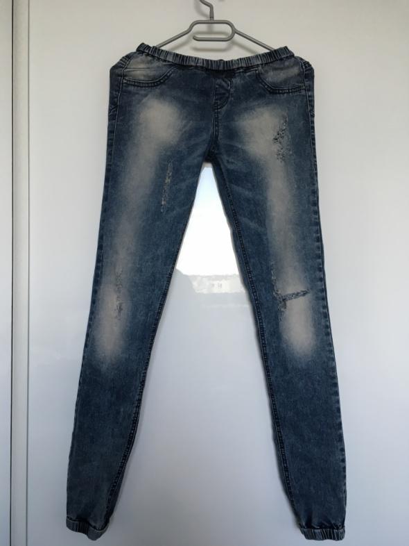 Spodnie jeansowe Bershka 36 rurki z przetarciami jeansy leggins...