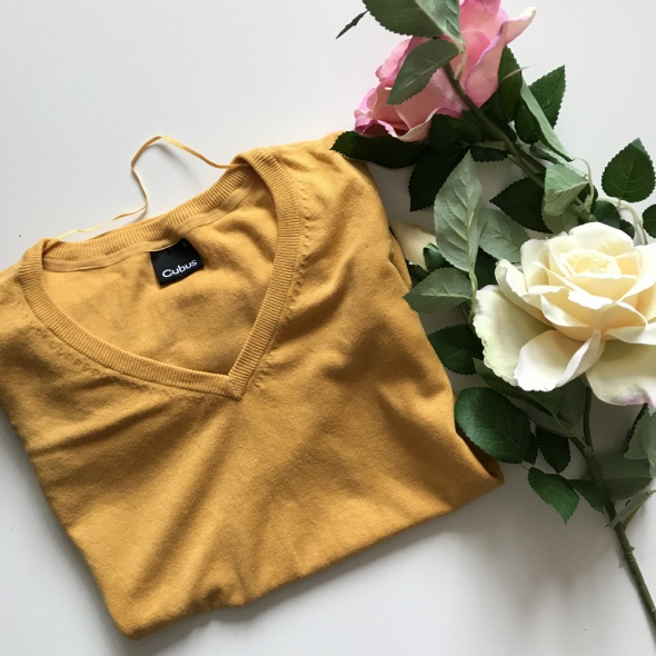 Żółty sweterek klasyczny S bawełna dobra jakość...