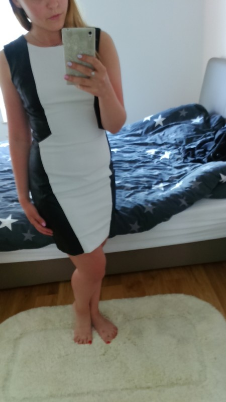 Dwukolorowa sukienka...