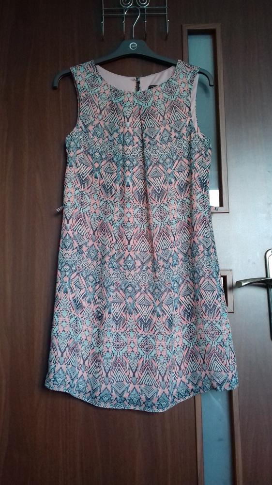 Sukienka we wzory