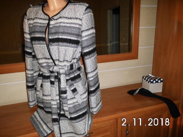 Odzież wierzchnia płaszcz wełniany
