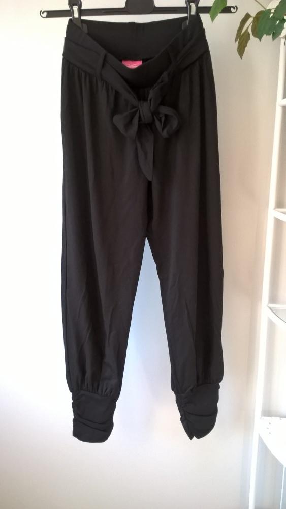 Nowe czarne spodnie aladynki