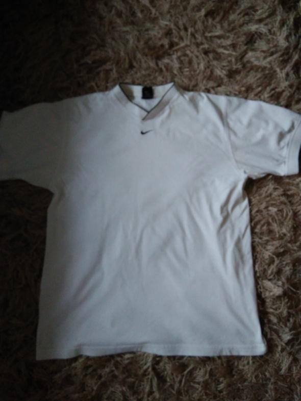 T shirt NIKE...