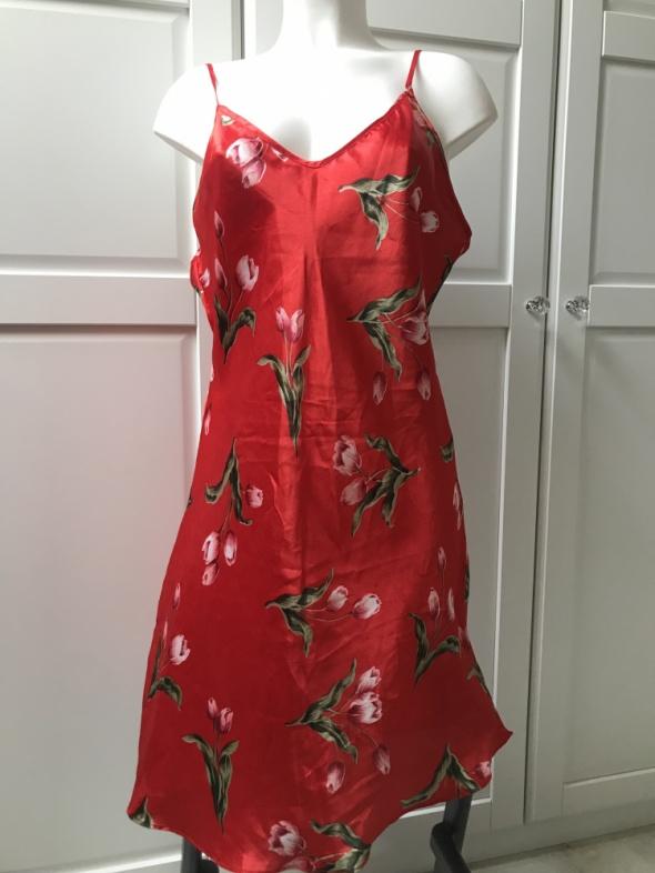 Sukienka koszulka na ramiączkach w kwiaty nadruk print floral